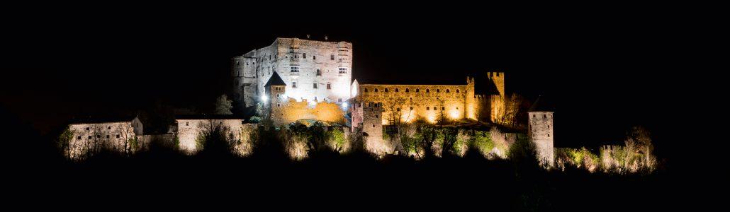 foto-notturna-Castel-Pergine